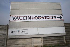 AllestimentoAreeVaccinazioniCremonaFiere–28- mario.mattei@bresciaoggi.it – Cronaca: allestimento aree per vaccini anticovid presso Cremonafiere